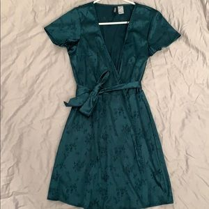 H&M Dresses - Green satin dress w/ floral pattern
